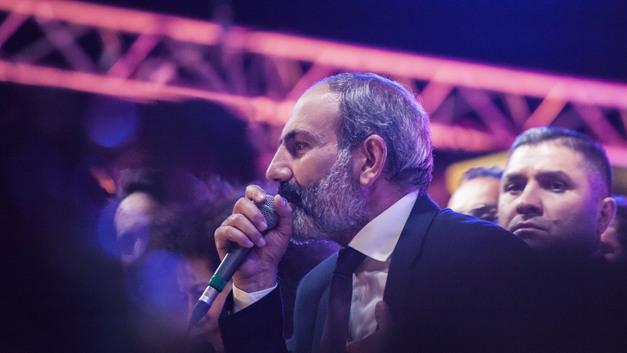Кандидат только один: Лидер армянского «майдана» решил подстраховаться протестами