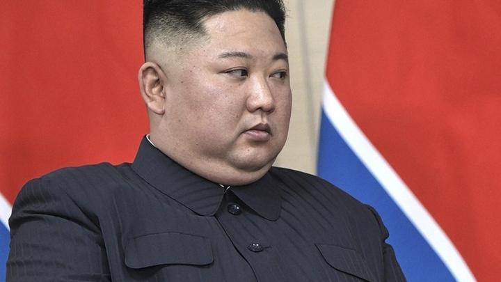 Ким Чен Ын продемонстрировал взрывной характер. Причиной стали пикантные листовки с первой леди