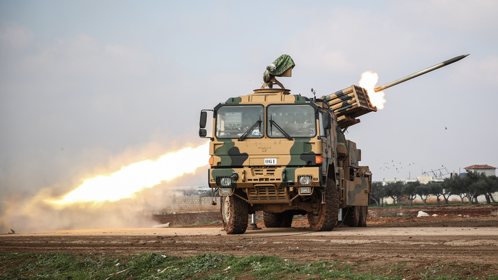 Картина маслом: Турецкие военные покидают Сирию под конвоем русских - военкор Блохин