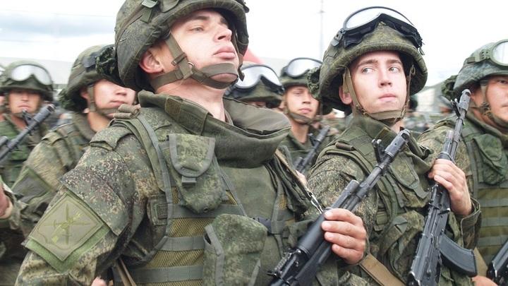 В Беларусь прибывают первые эшелоны с военными из России