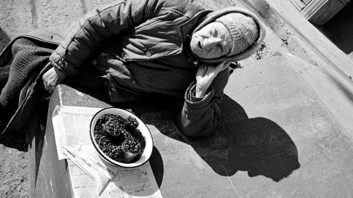 Познер сел в лужу, сравнивая бедность в России и США