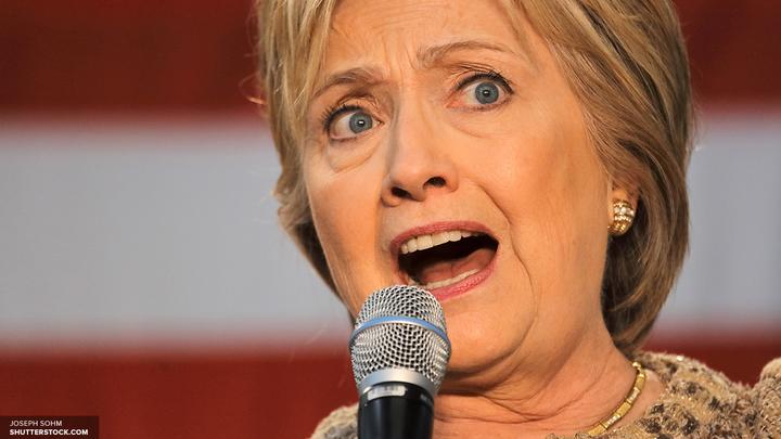 Клинтон приняла опечатку Трампа за тайное послание русским
