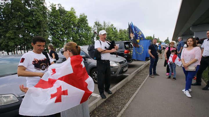 Извини: Пограничники не пустили в Грузию тезку Владимира Соловьева