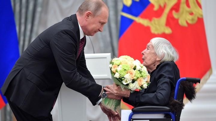 Путин включил в группу по увековечению жертв репрессий Людмилу Алексееву
