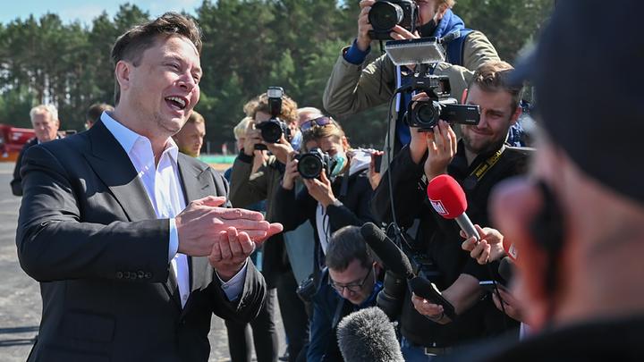 Был Илон Маск ваш, да стал наш: Запад напуган выступлением основателя Tesla на Путинском форуме