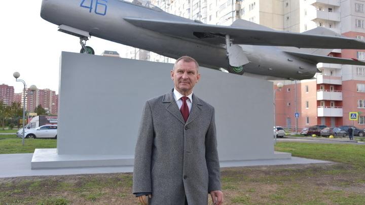 Истребитель МиГ-19 установили в Балашихе