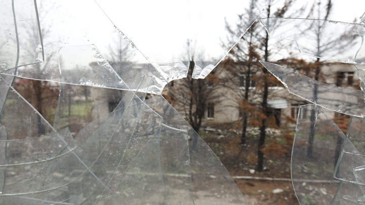 Образовательная реформа по-киевски: Украинские каратели обстреляли школу в Горловке