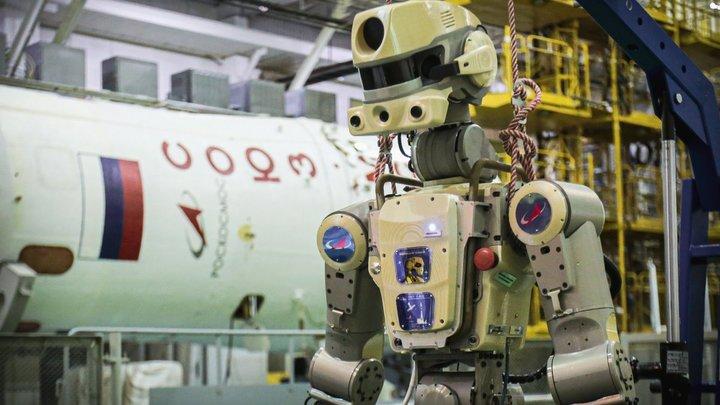 Утечку воздуха на МКС хотят повесить на робота Фёдора
