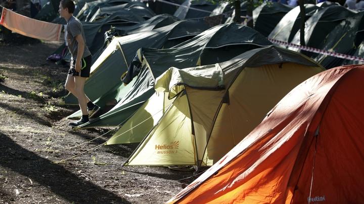 Ураган обрушился на спящих туристов: Один человек погиб