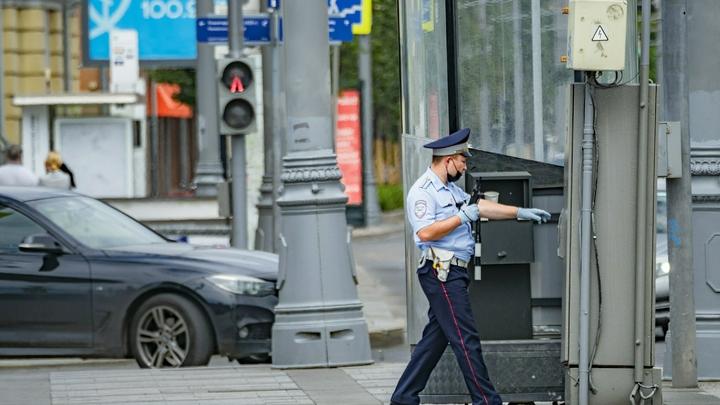 Всех русских выгнать : Толпа мигрантов набросилась на полицию в Москве. О чём кричали гости