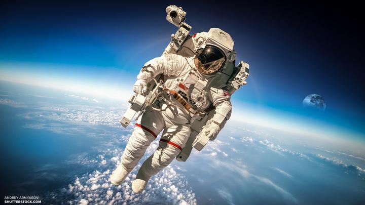 Астронавты США упустили в открытый космос кусок защитного покрытия МКС