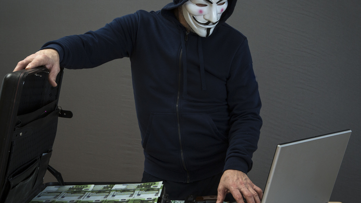 Владимирский уполномоченный по правам человека сообщил о махинациях с банковскими картами детей