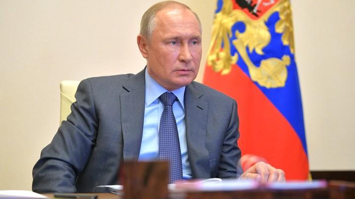 Путин отчитал банки за плохую работу: Абстрактные обещания никому не нужны