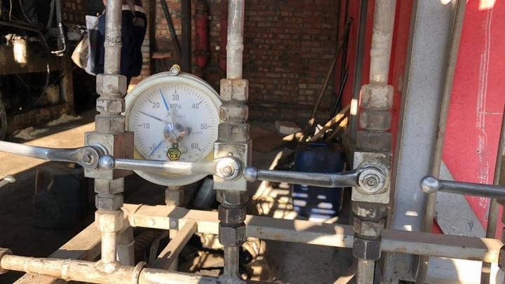 Не успели спастись: В Ростове-на-Дону три газовика задохнулись во время работ прямо в колодце