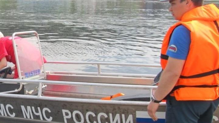 Семь трупов на диком пляже в Якутии: Первыми погибли дети
