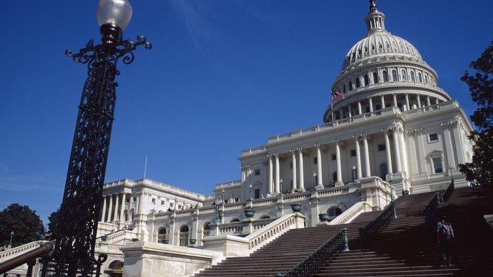 Белый дом ведет переговоры о пошлинах на сталь