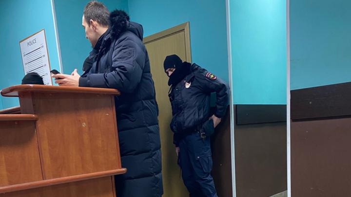 Должен явиться в суд: Славу КПСС, задержанного за участие в митинге, отпустили из отделения полиции