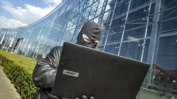 IT-эксперт указал на связь хакерских атак и акций в поддержку Навального