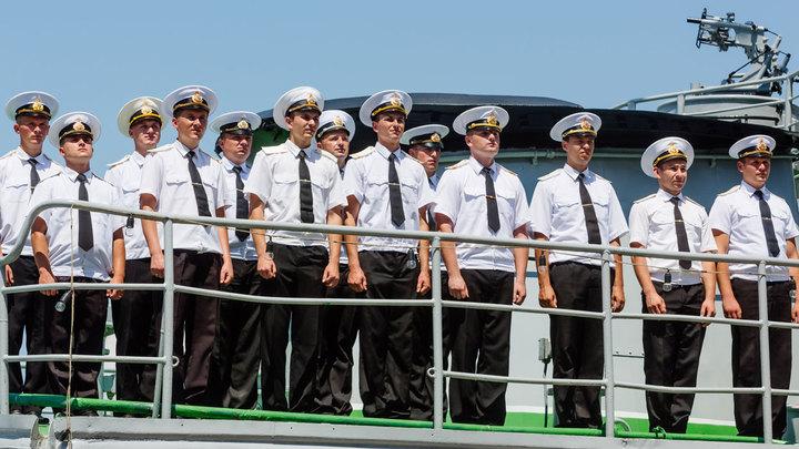 Их испортил квартирный вопрос: Украинские моряки хотят вернуться в Крым