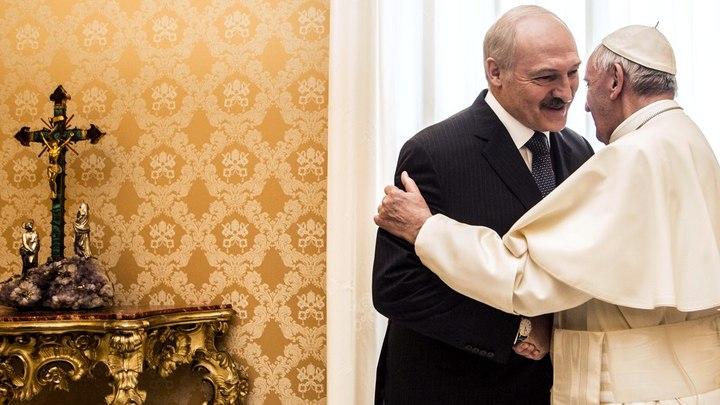 Зачем Лукашенко охмуряет ксендзов