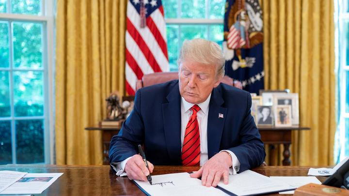 Нам нельзя: Интерпол прикрылся кодексом, отвечая на запрос Ирана по розыску Трампа