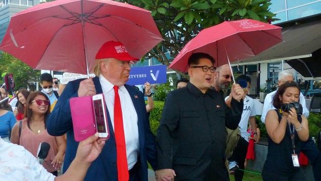 Шоу начинается: Ким и Трамп прибыли в Сингапур