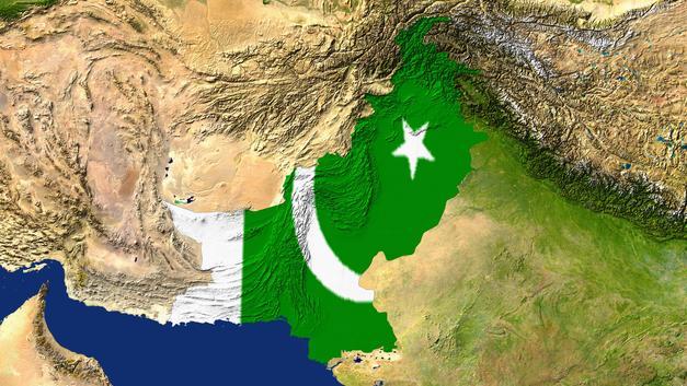 Пакистан неожиданно не повысил ключевую ставку после девальвации валюты