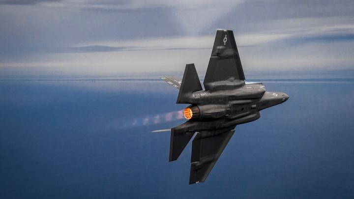 Новая РЛС России превратила американские невидимки F-22, F-35 и B-2 в мишени  - источник
