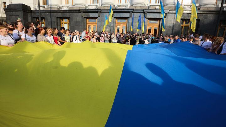 Возобновить перелеты в Россию: Автор исков против Порошенко поставил три условия Киеву