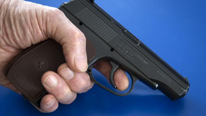 Следующий будет в тебя: В Томске мужчина с пистолетом требовал прекратить уборку снега
