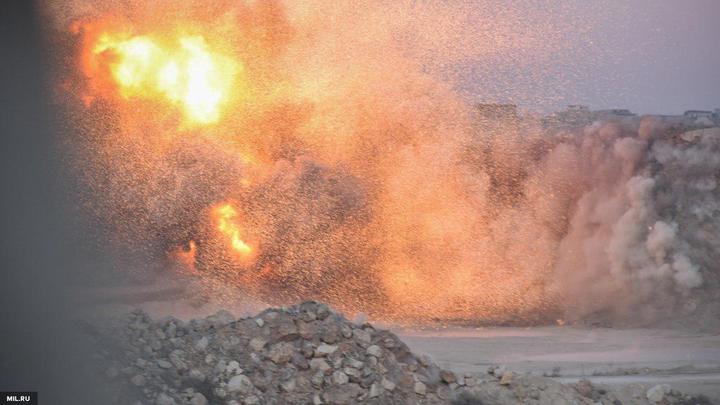 Минобороны: В Идлибе сирийская авиация уничтожила склад боевиков с химоружием