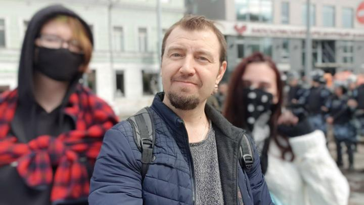 Силовой прием ОМОНа испытал на себе: Как на самом деле винтили людей во время прогулки-митинга в Москве