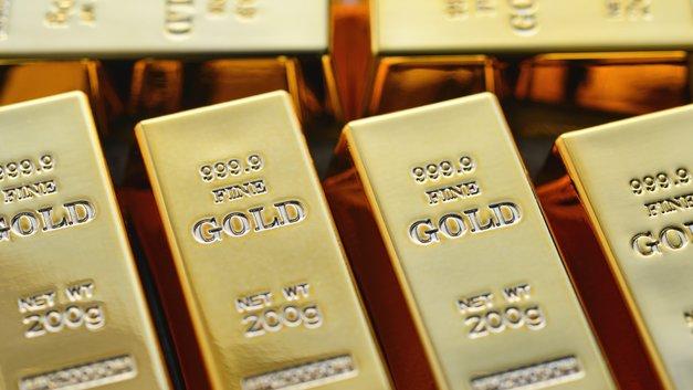 Цены на золото колеблются из-за нестабильности отношений США и Китая