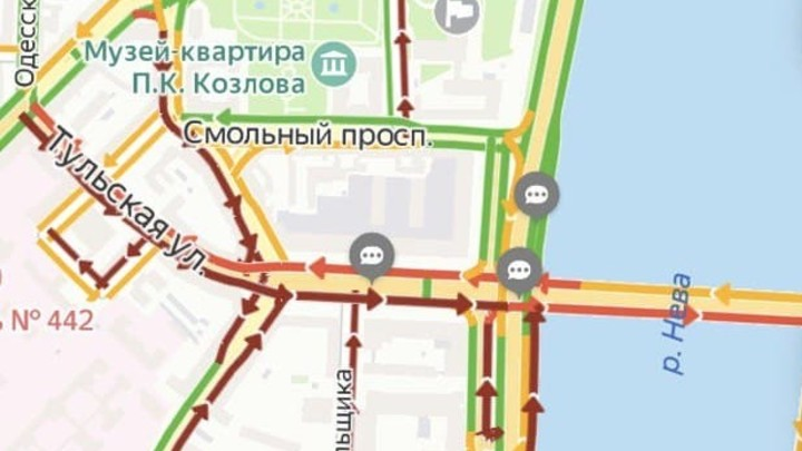 Визит глав СНГ сковал центр Петербурга в пробках