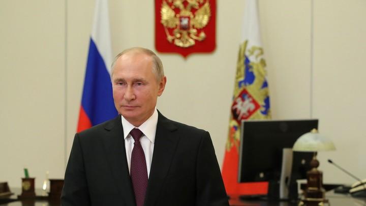 Ох ты, поторопился: Казус в Кремле с оператором Путина попал на видео