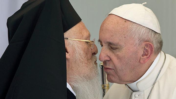 «Злобный колдун»: Фанар подталкивает Православный мир к унии с Ватиканом
