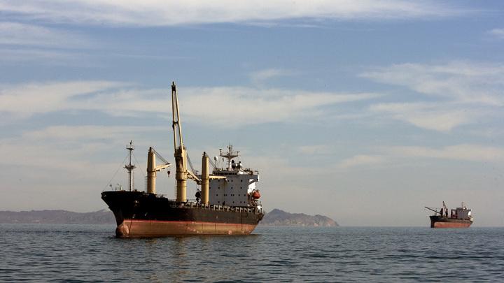Великая нефтяная война: Иран пригрозил США блокадой Ормузского пролива