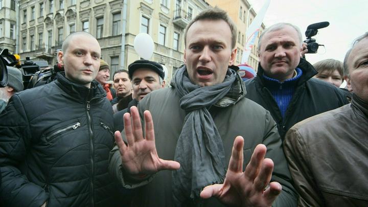 Свои идеи называет жульническими: Гаспарян ткнул носом Навального в его желание просто поспорить с президентом