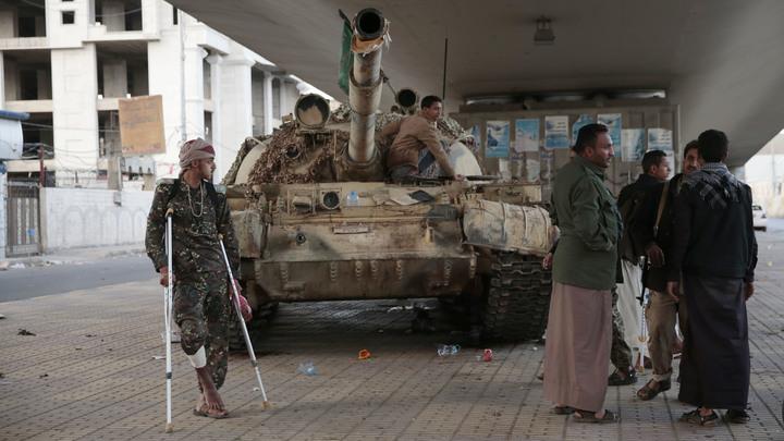 Репортёр российского агентства Sputnik находится в захваченном повстанцами телецентре в Йемене