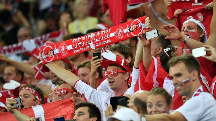 ФИФА наказала Данию за непристойную выходку болельщиков