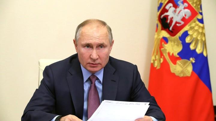 Путин рассказал, когда намерен привиться вакциной от COVID