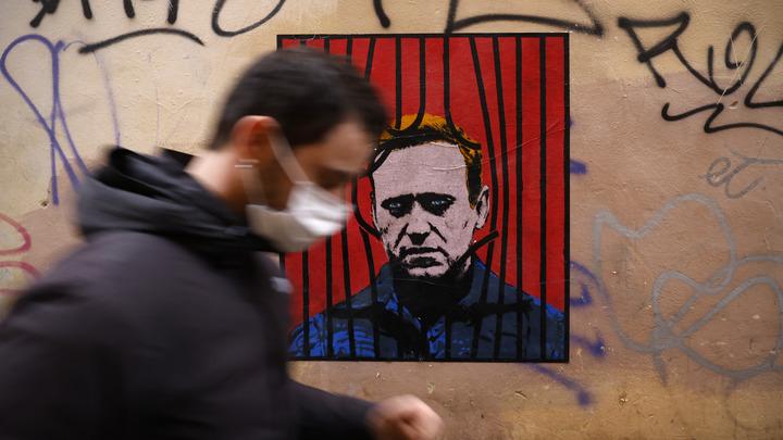 Теоретически может остаться в СИЗО, но… Общественник дал расклад о будущем Навального