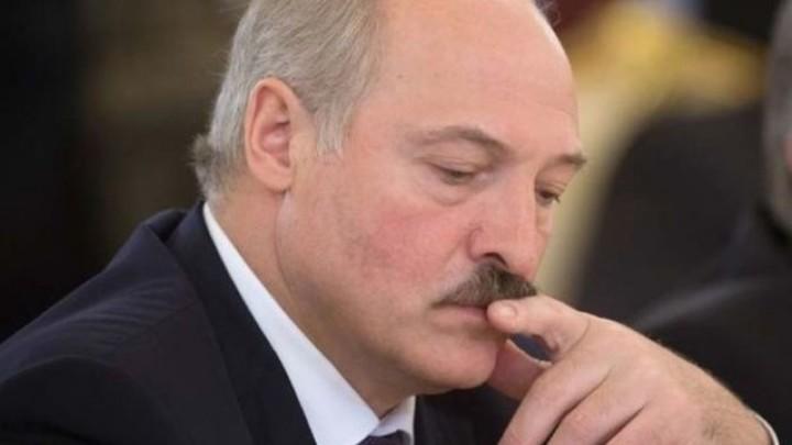 Лукашенко: Права человека в Белоруссии необходимо обеспечить силой власти