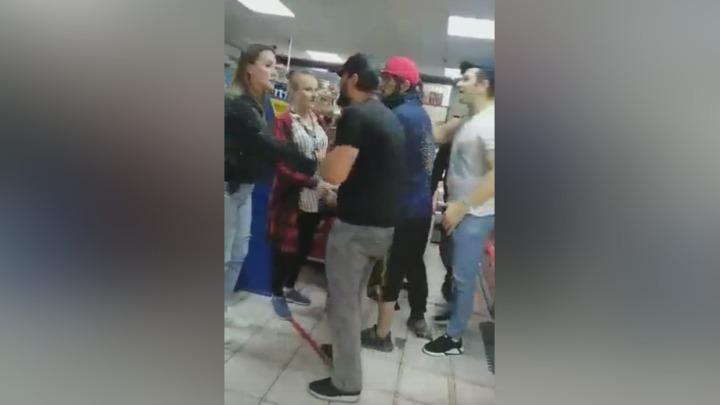 Кто меня арестует?: Толпа кавказцев набросилась на девушек в Кузбассе