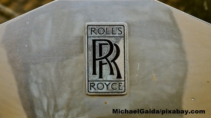 Самый первый Rolls-Royce Cullinan заметили на дорогах