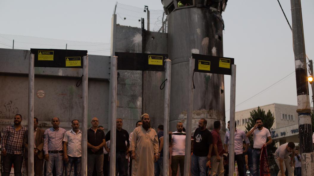 Возмутившие мусульман металлодетекторы у входов на Храмовую гору заменят видеокамерами