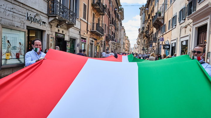 Italiano vero с русскими: Военные музыканты Росгвардии поздравили Италию