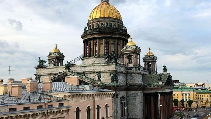 В последний день лета Петербург встал в пробках