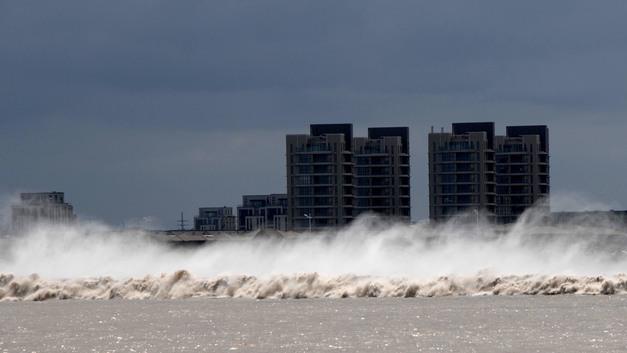 В Шанхае эвакуировали 200 тысяч человек из-за тайфуна: По нашим меркам много, по китайским – не очень