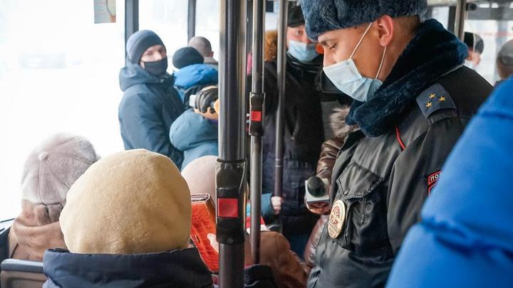 Во Владимире начали ловить безмасочников в транспорте